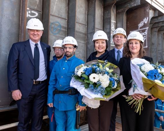 Pierfrancesco Vago, Helen Huang, Elise Guérin, Laurent Castaing e alcuni lavoratori del cantiere di St.Nazaire (IvanSarfatti)