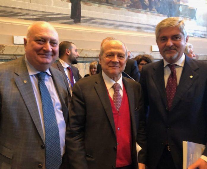 Da sinistra, Gennaro Fiore, Tiziano Treu e Mario Mattioli