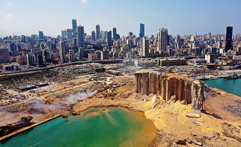 La banchina dei silos del porto di Beirut, luogo dell'esplosione (AFP)