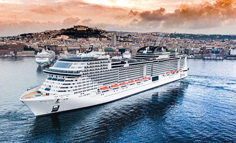 Msc Grandiosa approda a Napoli